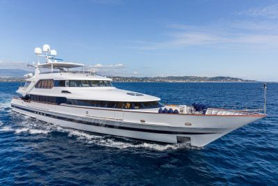 M/Y Lucy III Yacht for Charter Alongside