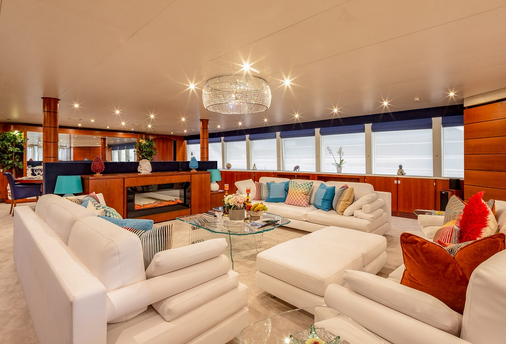 Main Saloon Aboard M/Y Lucy III Yacht for Charter