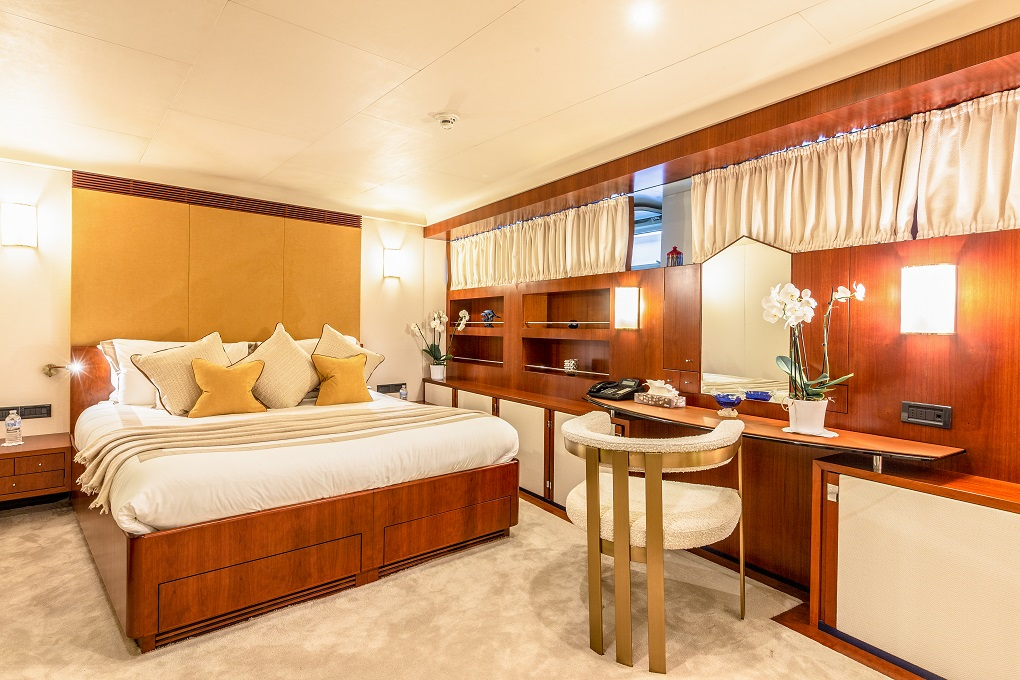 M/Y Lucy III Guest Cabin