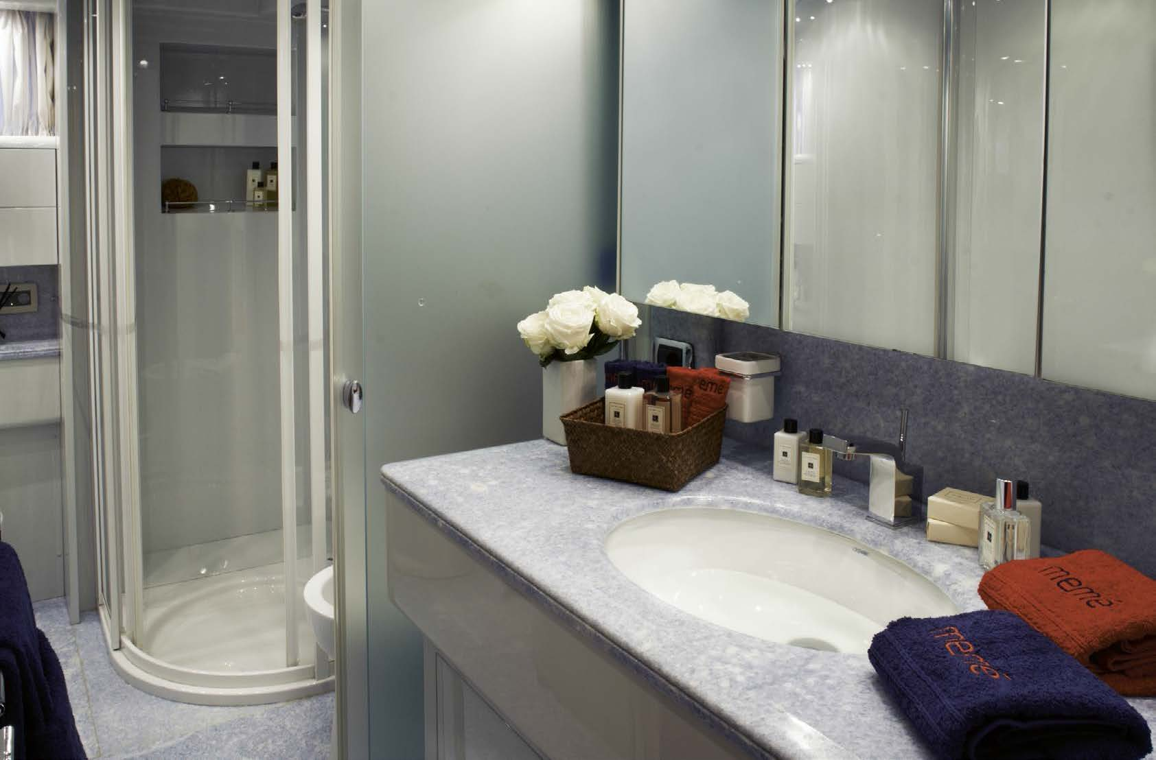 M/Y MEME luxury yacht for charter bathroom