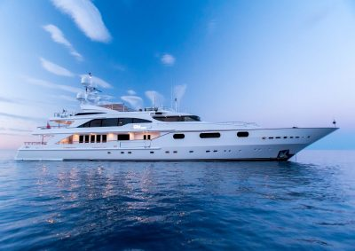M/Y AIR yacht for charter