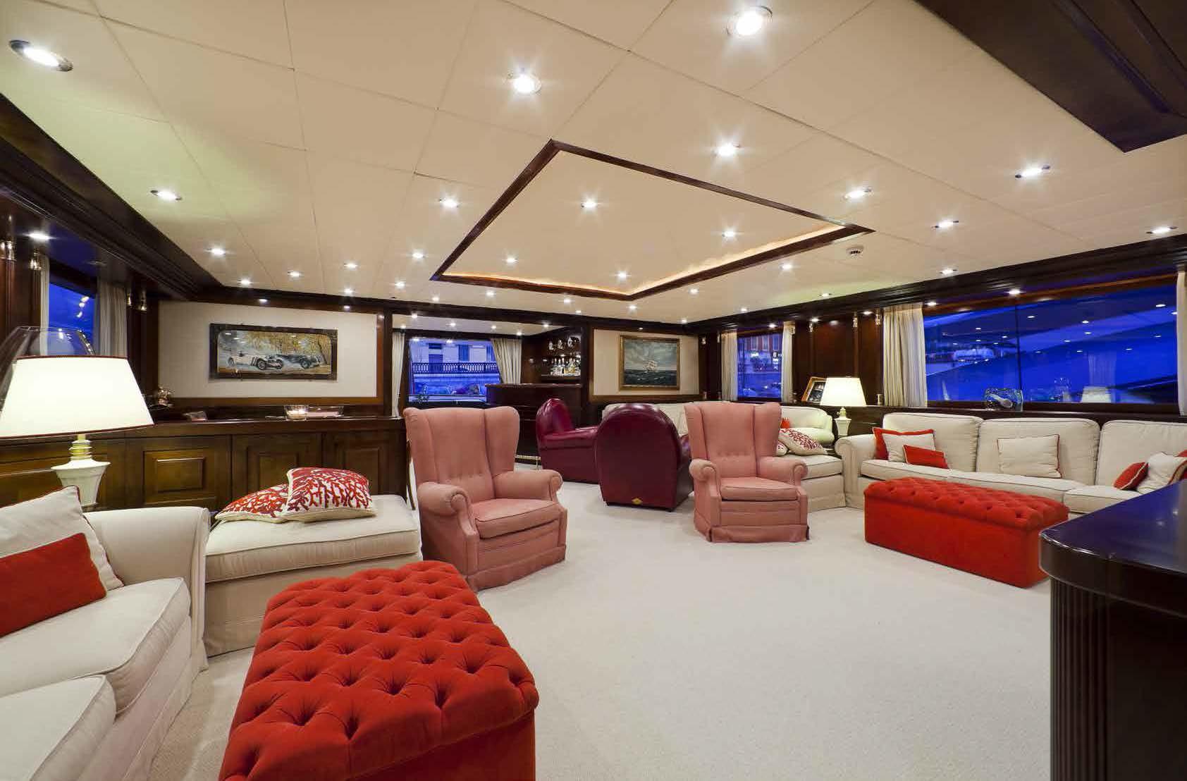 livingroom area M/Y SOPHIE BLUE for charter