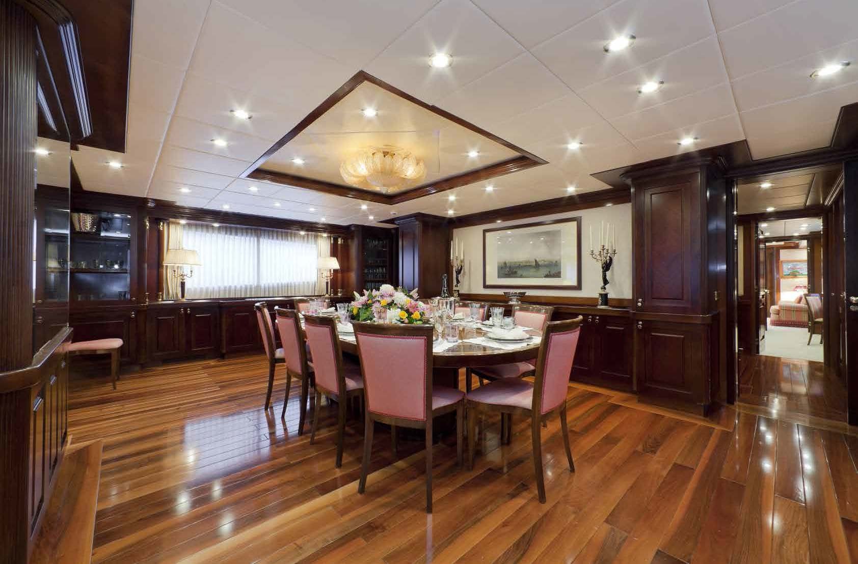 formal dining room M/Y SOPHIE BLUE for charter