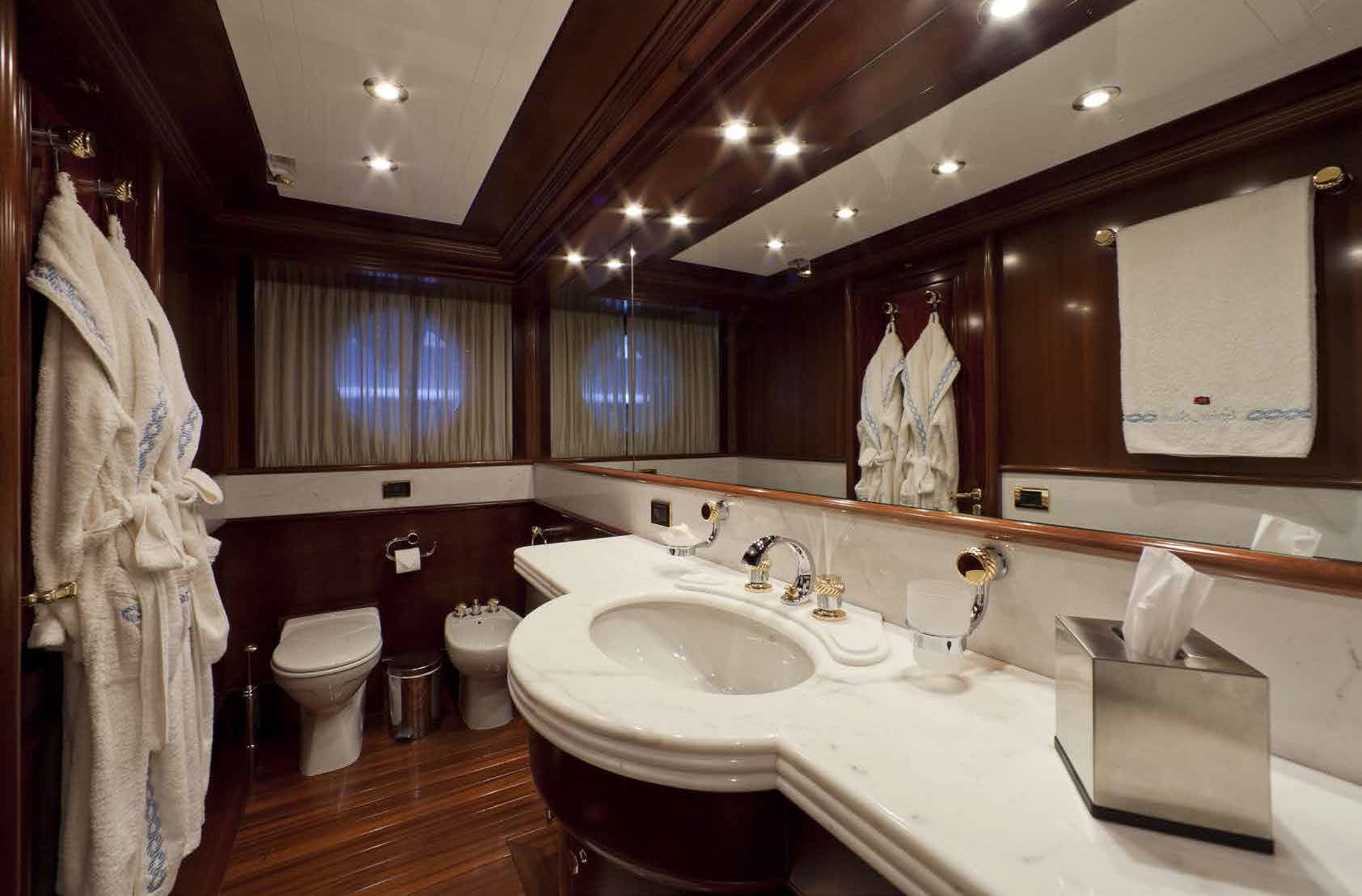 master bathroom on M/Y SOPHIE BLUE for charter